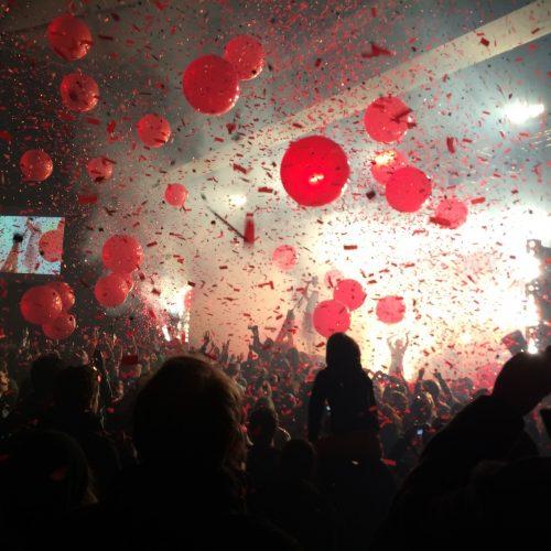 people-enjoying-live-concert-in-stadium_t20_0mvZOe